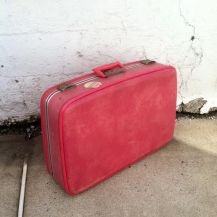 1970s PINK SUITCASE